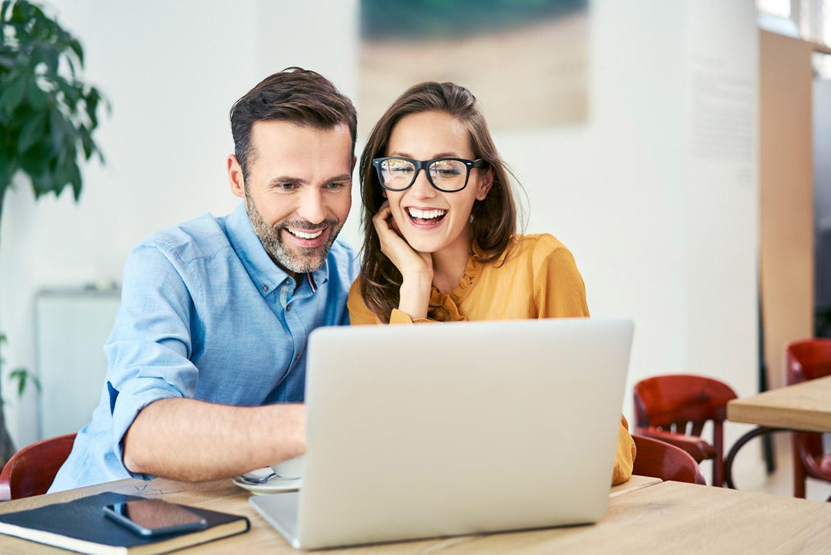 Rinnakkaishakija - Kuka voit toimia lainan rinnakkaishakijana ja miten se vaikuttaa lainan hintaan