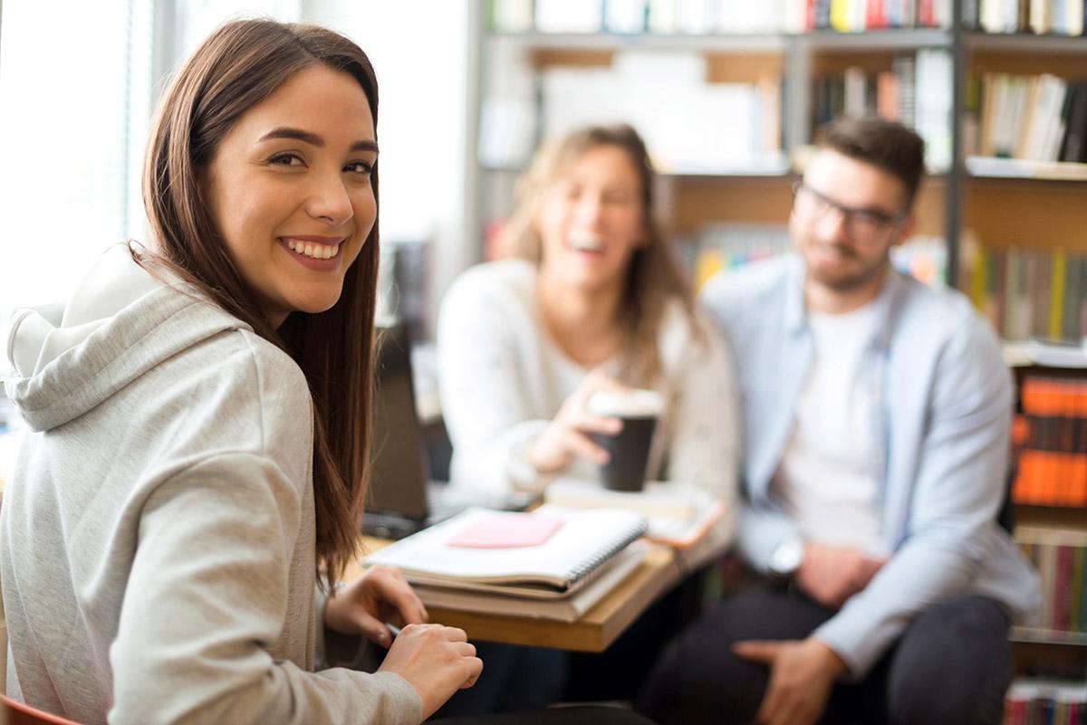 Opintolaina - Miten opintolainaa voi nostaa